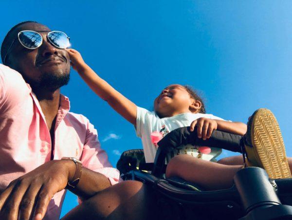 baby-approaching-men-s-black-sunglasses-1471843 (1)