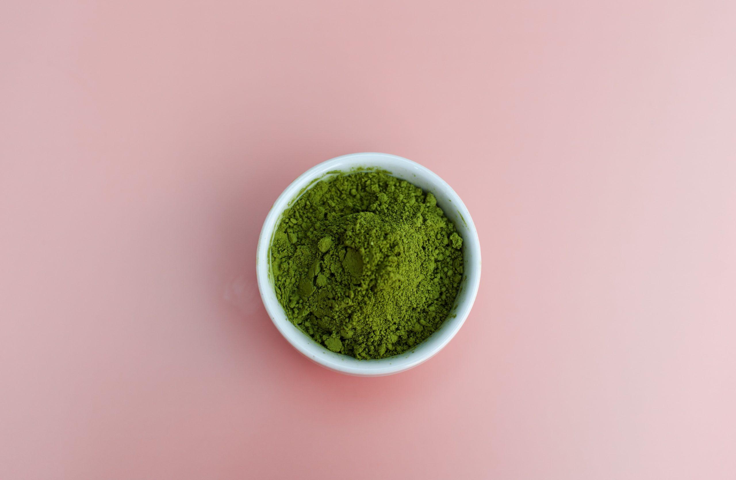 matcha-green-tea-powder-lattes